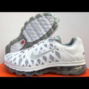 BRAND NEW!! Nike Air Max 2011